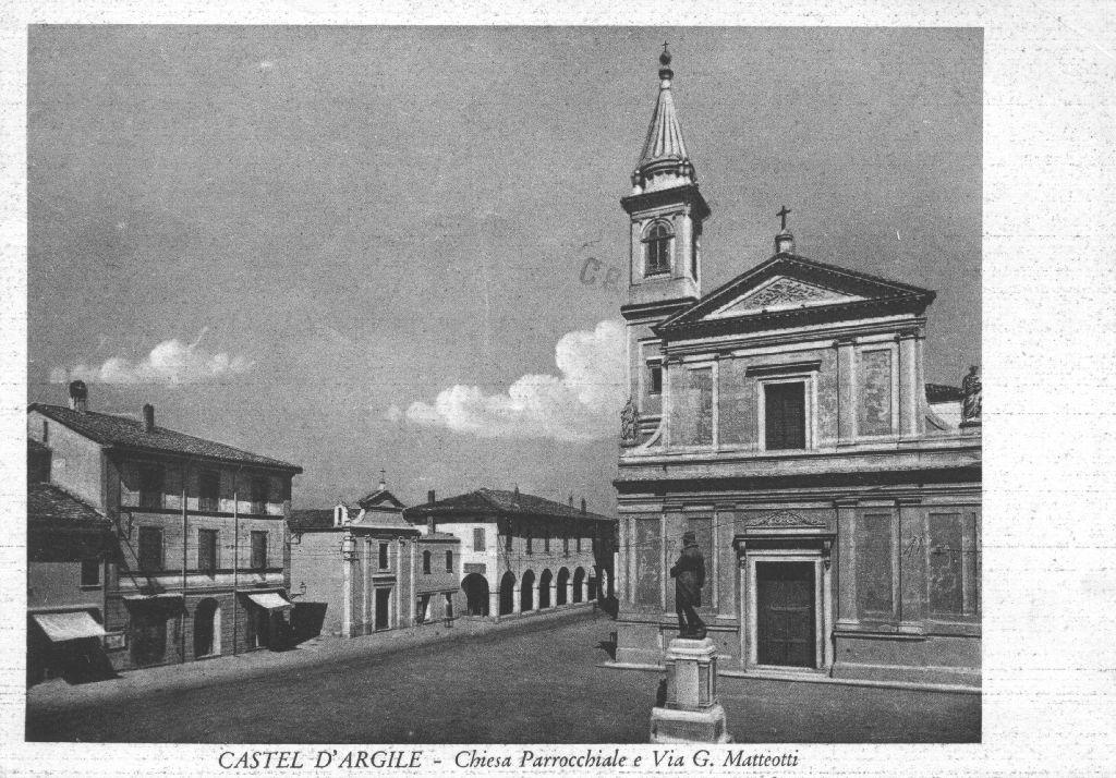 Chiesa parrocchiale e via Matteotti di Castello d'Argile